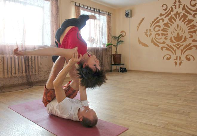 акро-йога