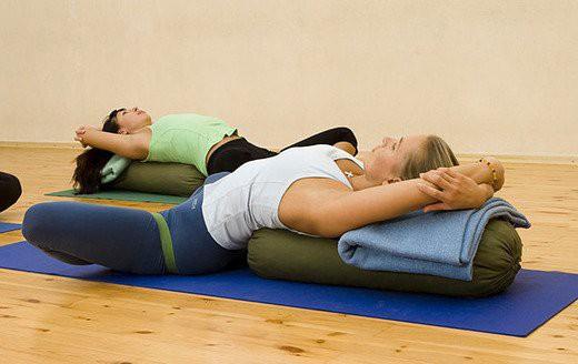 joga-pri-skolioze-x